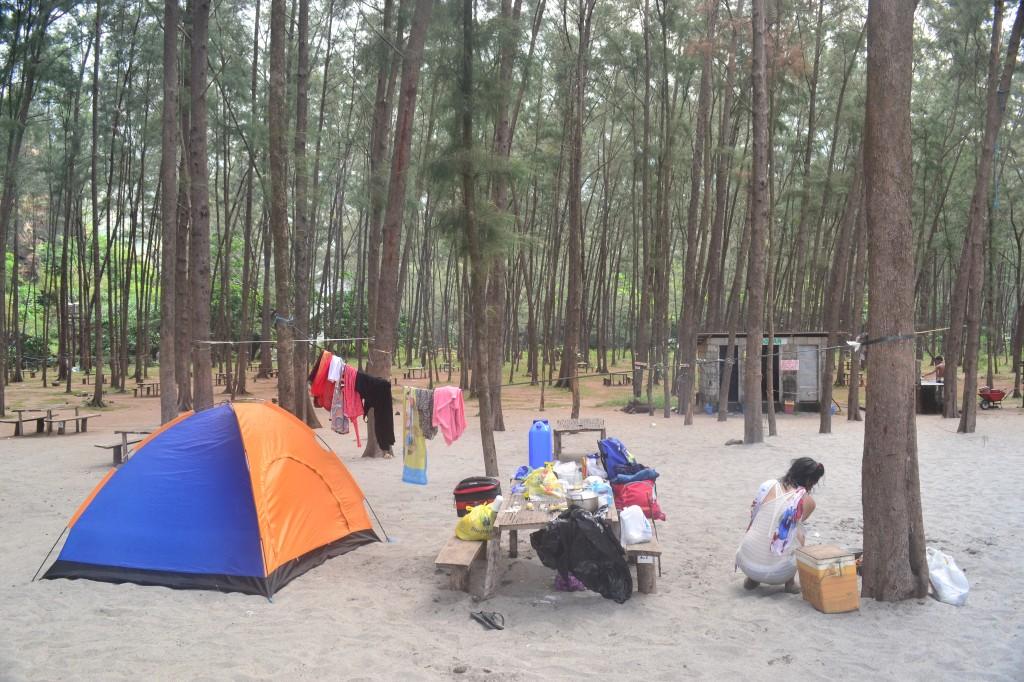 campsite at anawangin cove