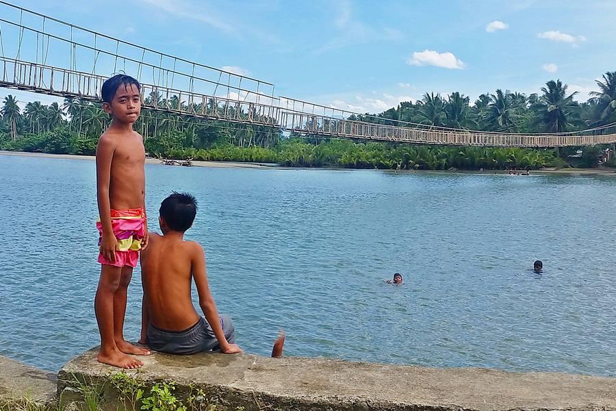 Hanging Bridge, Baler